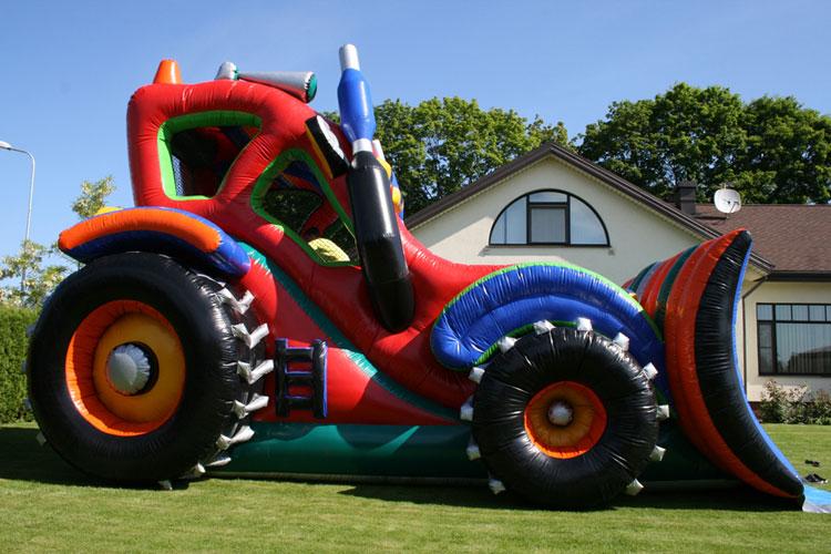 Atrakcija Traktors